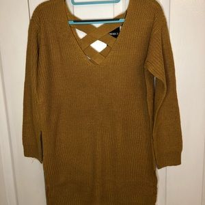 Sweater Color Mustard Forever 21 NWT Size M 🌿